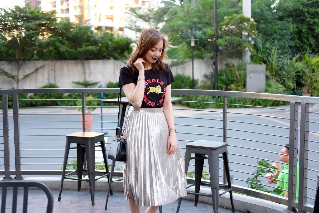 zara metallic pleated skirt